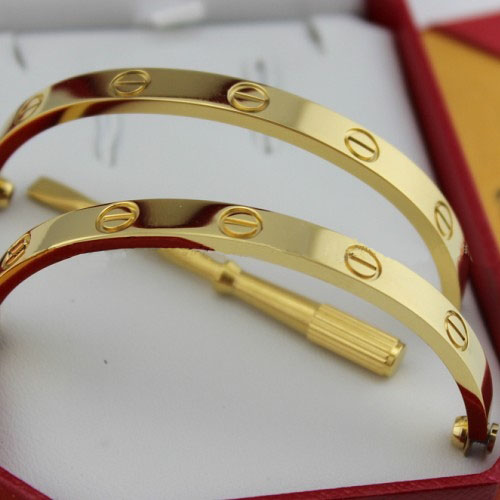 Love Bracelet Réplique Cartier en or jaune avec un tournevis